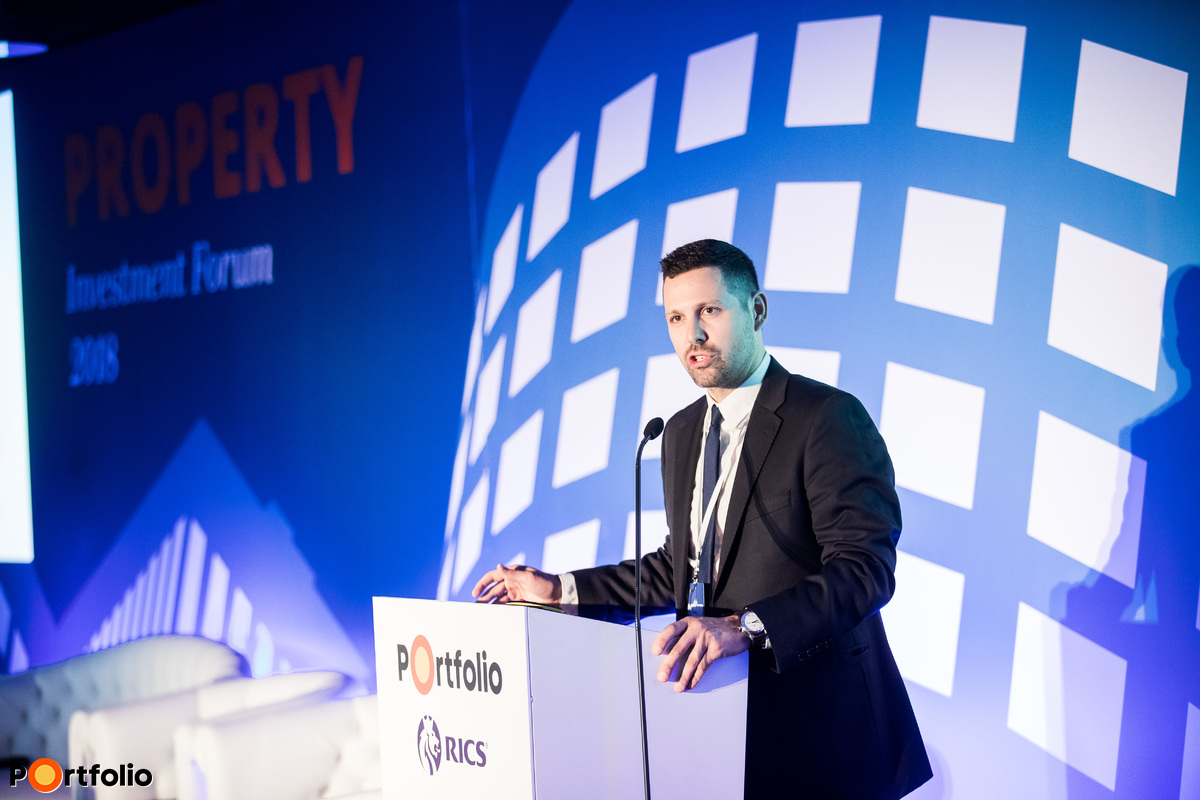 Gergely Ditróy (Head of Property Division, Portfolio)  welcomed the guests