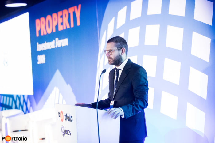 Csanád Csűrös (CEO, Property Forum) welcomed the guests