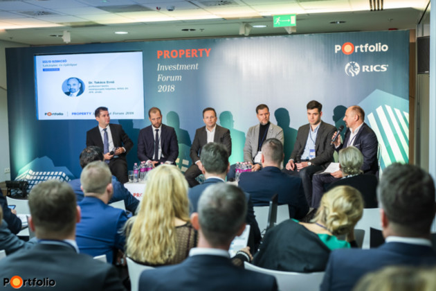 Home market: Will growth stop after VAT is reset to 27%? What is the strategy of developers? Conversation participants: Gergely Nagy (Deputy Managing Director - Budapest Region, OTP Group), Ákos Kiss (Residential Property Sales Director, Property Market), Tibor Földi (CEO, Cordia Magyarország Zrt.), Doron Dymschiz (Owner, Duna House), Ádám Banai (Director of Directorate Financial System Analysis, Magyar Nemzeti Bank) and the moderator Dr. Ernő Takács (Deputy CEO, WING Zrt., (IFK, Chairman))
