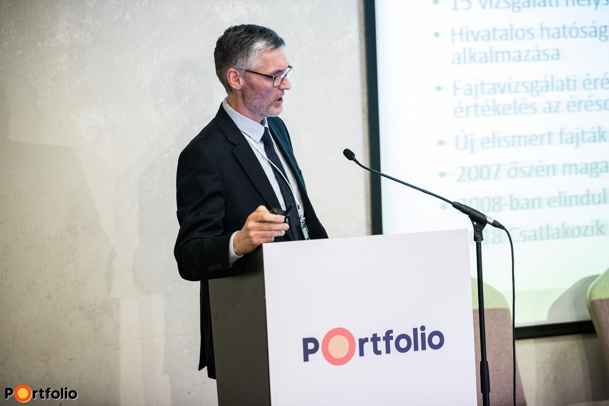 Polgár Gábor (ügyvezető igazgató, Vetőmag Szövetség Szakmaközi Szervezet és Terméktanács): A búza és a kukorica posztregisztrációs fajtakísérleti eredményei 2018-ban