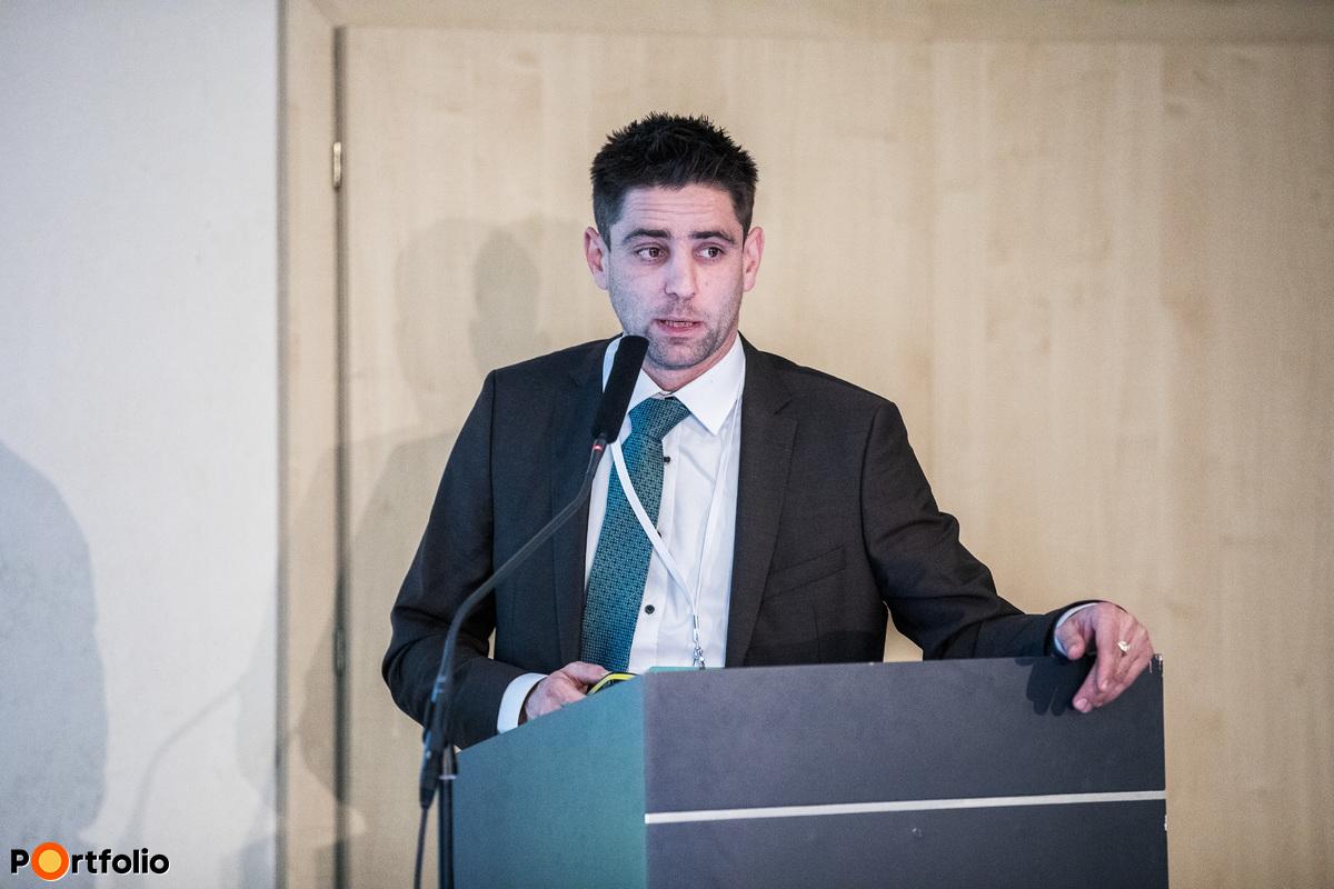 Bűdi Károly (okleveles agrár-és gépészmérnök, termelési vezető, Agro-Tár Kft.): Generációs konfliktusok az IT technológia miatt