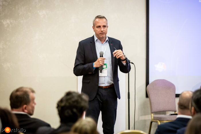 Starcz Ákos (Managing Partner, Next Wave Europe): Márkaépítés és sikeres kommunikáció az új digitális világban