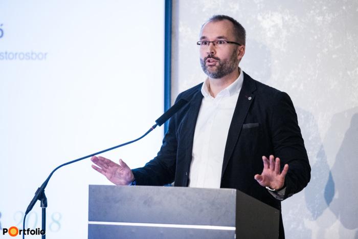 Soltész Gergő (elnök-tulajdonos, Ostorosbor Pincészet Zrt.): Generációváltás egy nagyüzemben - A bankszakmából a mezőgazdaságba