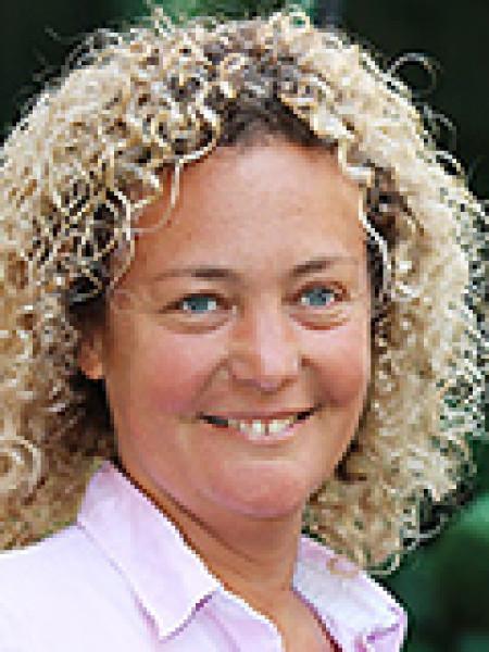 Andrea Barabás profil