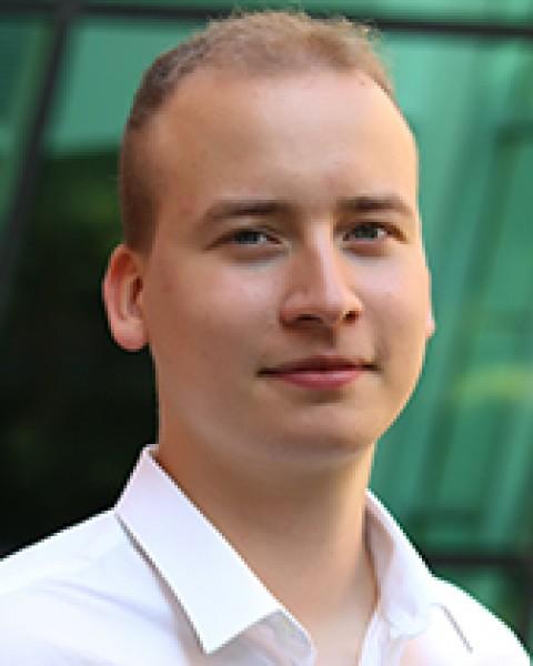 Gábor Ócsai profil